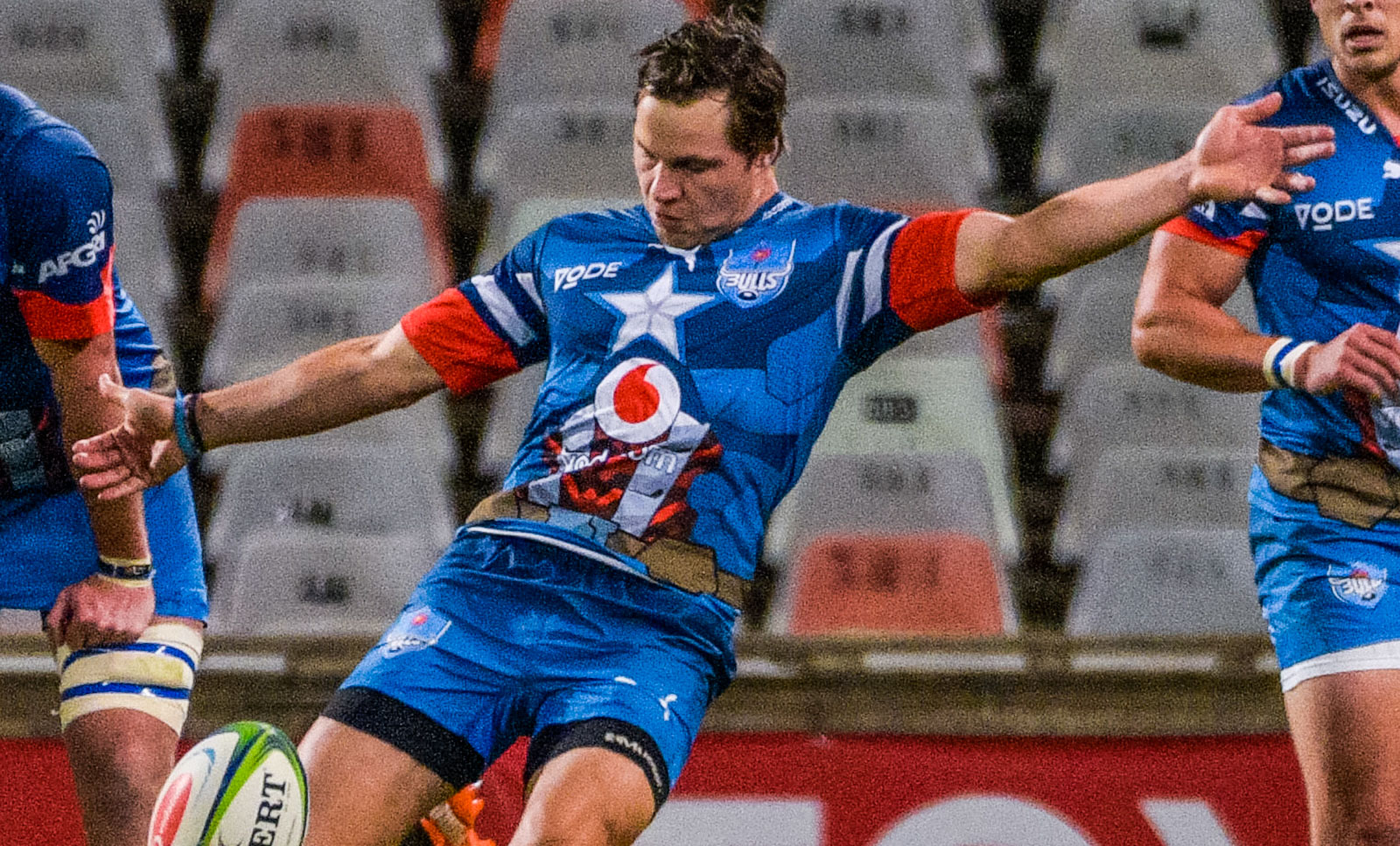 Chris Smith has been retained at flyhalf for the Vodacom Bulls' trip to Cape Town