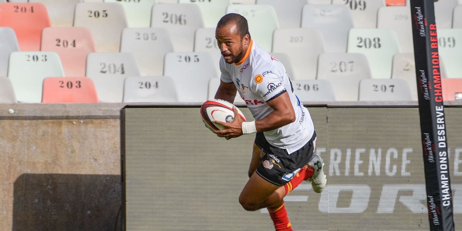 Rhyno Smith scored one of three first half tries for the home side.